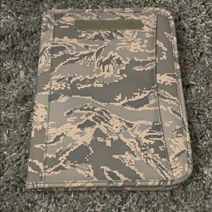 ABU Zippered Padfolio